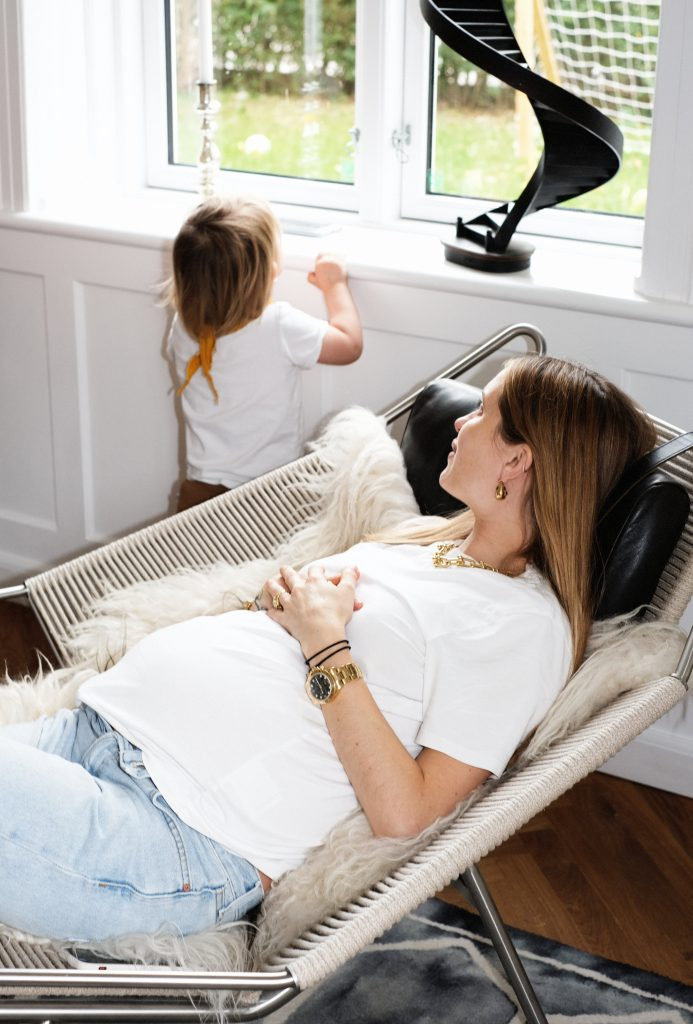 To_The_moon_Honey_Mamma_Profiles_Pernille_Teisbæk_Pernille_Teisbaek_Pregnant_Style_Refluks_Amning_Breasfeeding_Dress_Scandinavian