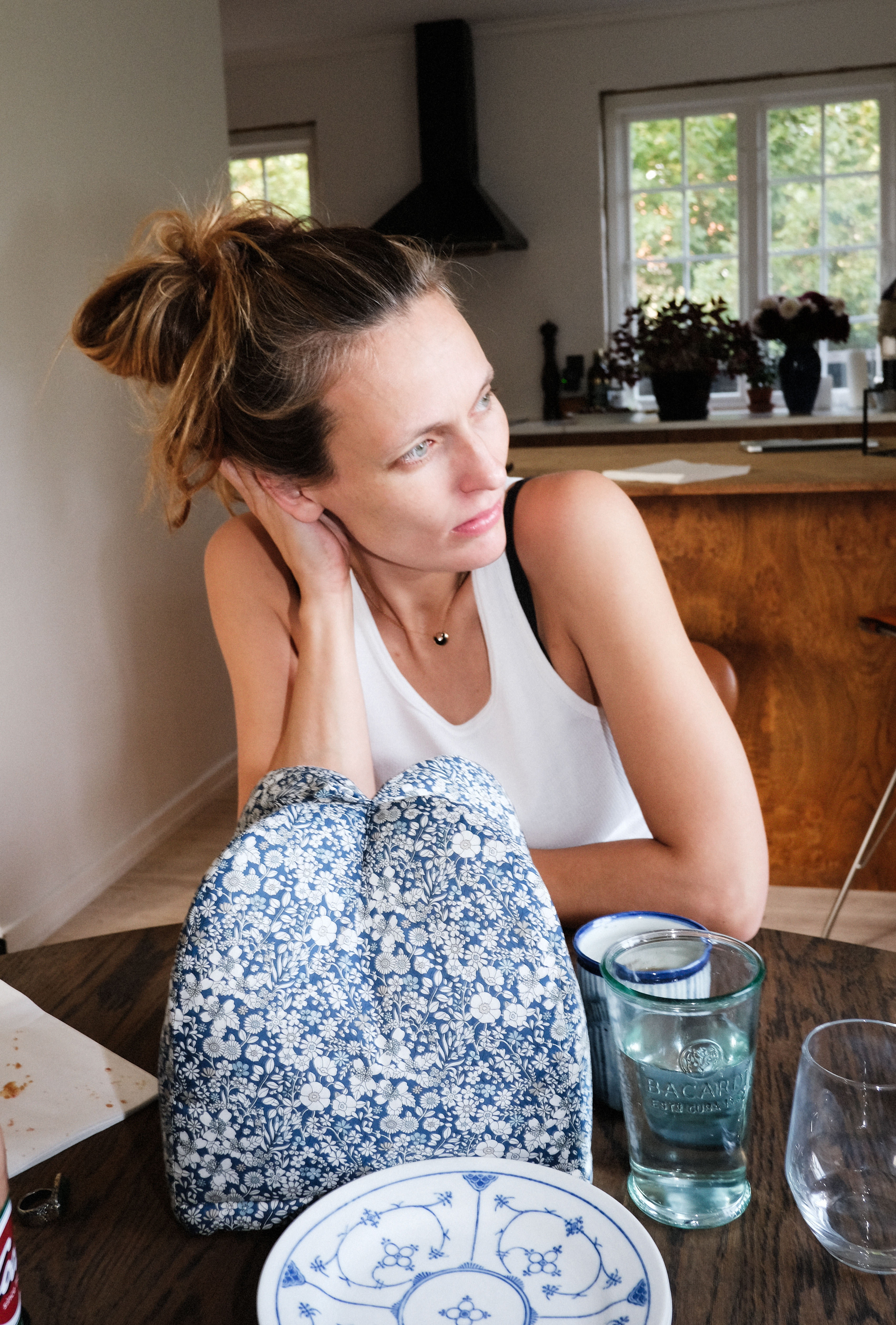 To_the_moon_honey_vibe_dabelsteen_baby_bump_gravid_med_Liv_winther_bea_fagerholt_