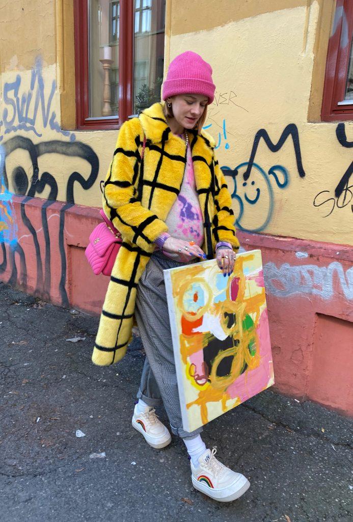 To_the_moon_honey_Marianne_theodorsen_gravid_med_baby_bump_gravid_stil_jacket