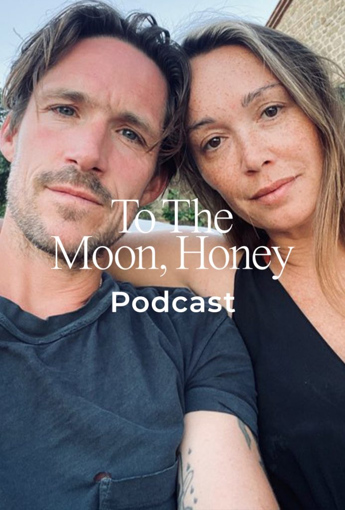 To_the_moon_podcast_jo_riis_hansen_ida_wohlert