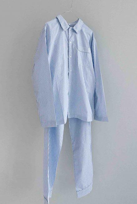 On Cloud Nine Pyjamas i blå og hvis strib